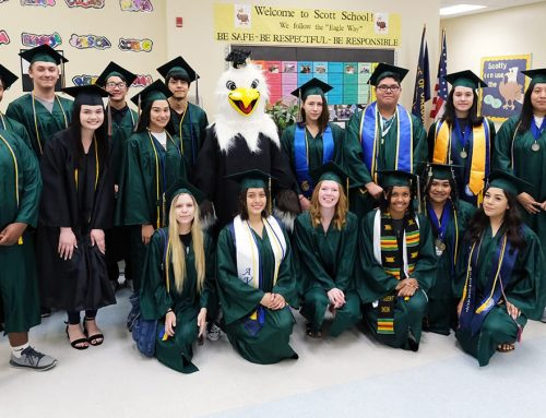 McKay Seniors Return to Scott Elementary for Parade of Honor 2019